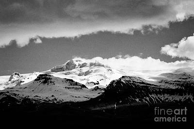 Hvannadalshnukur Highest Peak Of Oraefajokull Ice Covered Volcano Part Of Vatnajokull Glacier Art Print by Joe Fox