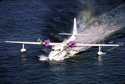Hydroplane Splashdown Art Print by Sally Weigand