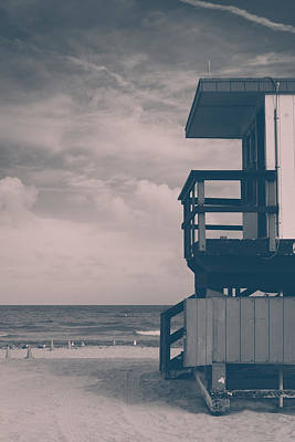 Photograph - I Was Checkin' On The Surfin' Scene by Yvette Van Teeffelen