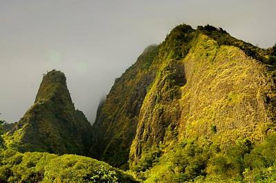 Photograph - Iao Needle And Mountain by Richard Omura