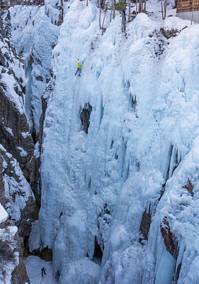 Chris Walter Rock N Roll - Ice Climber on Pick o Vic which is rated WI4 in Ouray CO by Elijah Weber