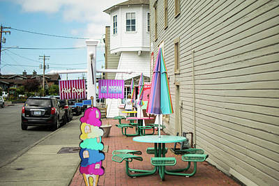 Photograph - Ice Cream Cones And Hot Dogs by Tom Cochran