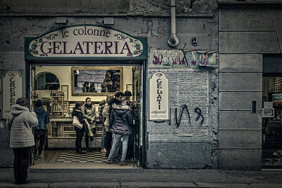 Photograph - Ice-cream Shop by Roberto Pagani