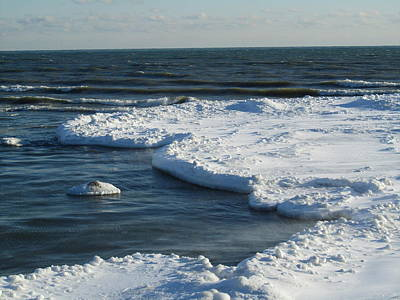 Photograph - Ice Flows In Lake Ontario by Sharon Steinhaus