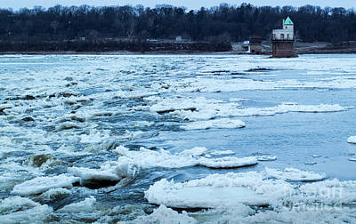 Photograph - Ice On The Mississippi River by Garry McMichael