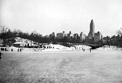 Cold Temperature Photograph - Ice Sakers In Central Park. by Underwood & Underwood