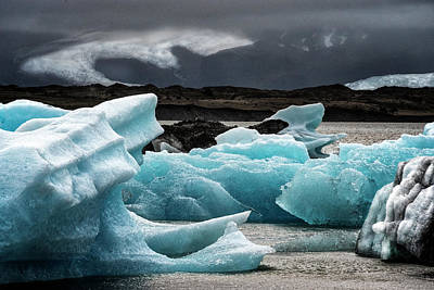 Photograph - Iceland Glacier by Tom Singleton