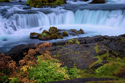 Photograph - Iceland Water Scene by Tom Singleton