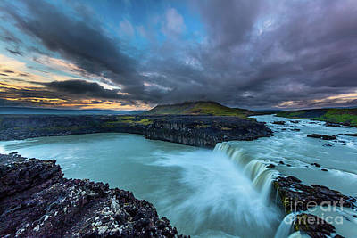 Photograph - Icelandic Evening by Inge Johnsson