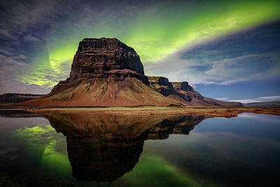 Photograph - Icelanding Aurora by Andres Leon