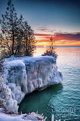 Photograph - Icicle Cliffs by Mark David Zahn