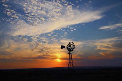 Flint Hills Of Kansas Photograph - Iconic Kansas Sunset by Mark A Brown