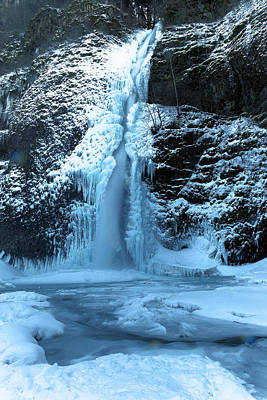 Gelid Photograph - Icy Horsetail Falls by Jeff Swan