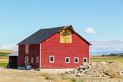 Photograph - Idaho Barn by Dart and Suze Humeston