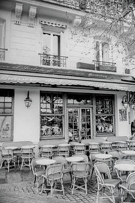 Ile St Louis Photograph - Ile St. Loius Cafe by Sharyn Sakimoto