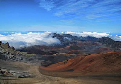Photograph - In The Clouds - Hawaii by Bob Slitzan