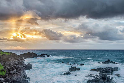 Photograph - In The Sky  by Jon Glaser