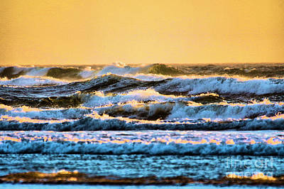 Photograph - Incoming Waves by Jeff Swan