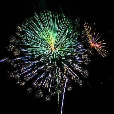 Photograph - Bursts Of Color Fireworks by Paula Porterfield-Izzo