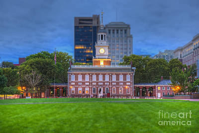 Photograph - Independence Hall National Historical Park by David Zanzinger