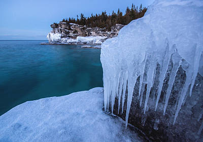Indian Head Cove In Winter Art Print by Cale Best
