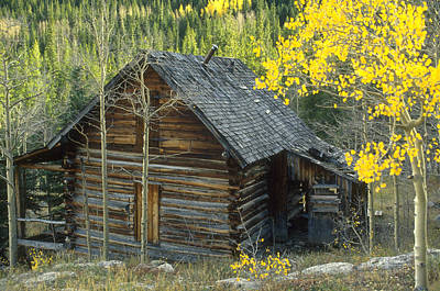 Log Cabins Photograph - Indian Peaks Cabin by Jerry McElroy