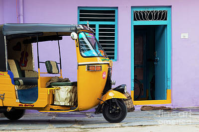 Tuk Tuk Photograph - Indian Rickshaw by Tim Gainey