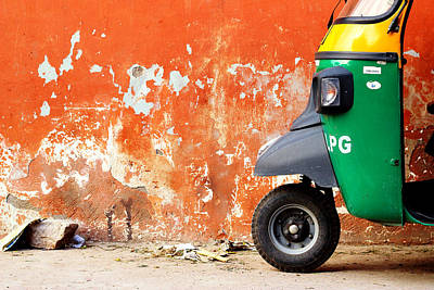 Tuk Tuk Photograph - Indian Tuk Tuk by Prakash Ghai