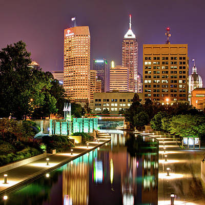 Indianapolis Indiana Skyline And Canal Walk At Night Art Print