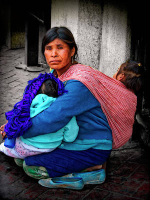 Photograph - Indigenous Woman And Children Of Mexico by Sandra Selle Rodriguez