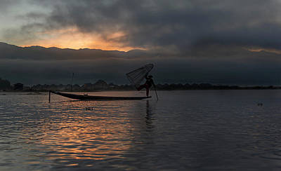 Photograph - Inle Fisherman At Sunrise by Pradeep Raja PRINTS