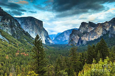 Photograph - Inspiration Point Yosemite by Ben Graham