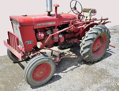 Photograph - International 140 Tractor by D Hackett
