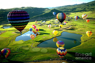 Photograph - International Balloon Fesitval by Margaret Durrance