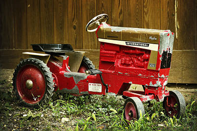Photograph - International Harvester Farmall Hydro 826 Pedal Tractor by Bill Swartwout Fine Art Photography