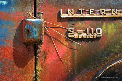 Photograph - International S-110 by Dan Beauvais