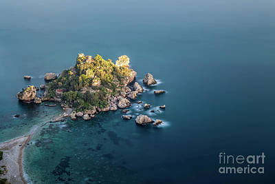 Photograph - Into The Blue by Giuseppe Torre