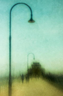 Lamp Post Photograph - Introspective by Andrew Paranavitana