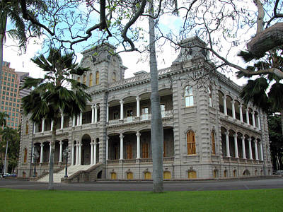 Photograph - Iolani Palace, Honolulu, Hawaii by Mark Czerniec