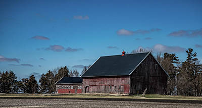 Photograph - Iowa Barn 2 by Wendy Carrington