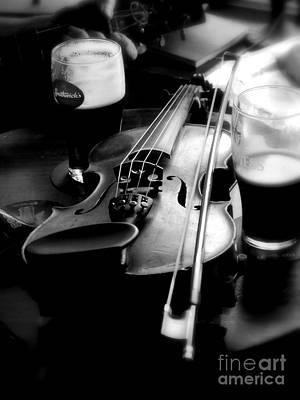 Irish Fiddle On A Break Art Print