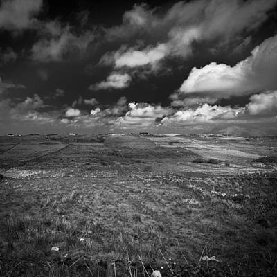 Photograph - Irland 40 by Avril Christophe