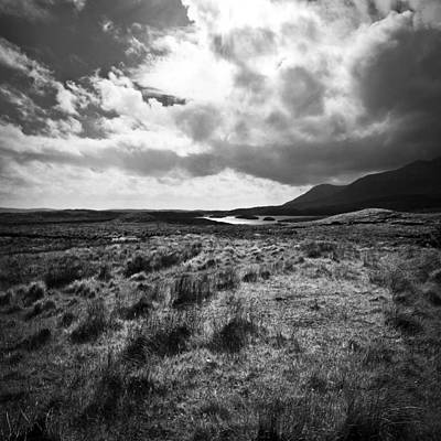 Photograph - Irland 47 by Avril Christophe