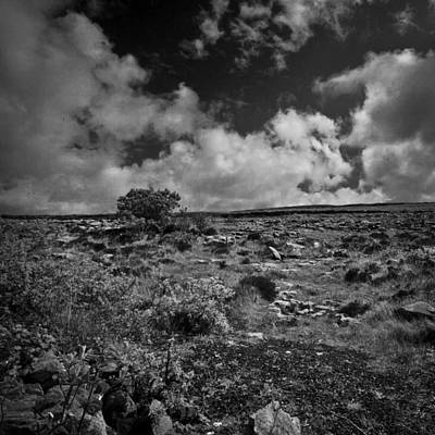 Photograph - Irland 59 by Avril Christophe