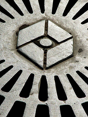 Photograph - Ironman Hole Cover by Ross Odom