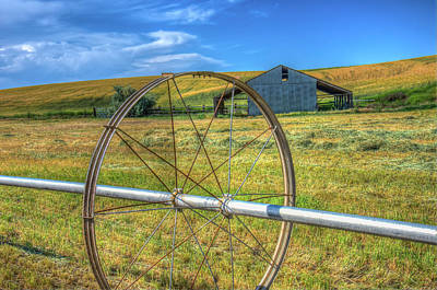 Photograph - Irrigation Water Wheel Hdr by James Hammond