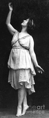 Isadora Duncan Art Print by Elvira Studio
