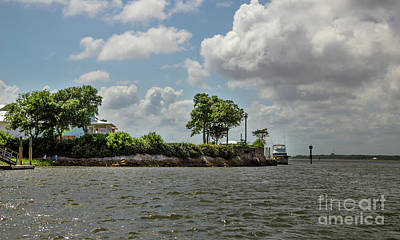 Photograph - Island Crusing by Dale Powell