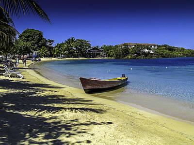 Photograph - Island Of Roatan Beach by Gordon Engebretson