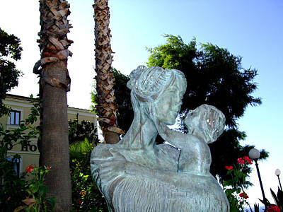 Sculpure Photograph - Italian Mother And Child by Mindy Newman